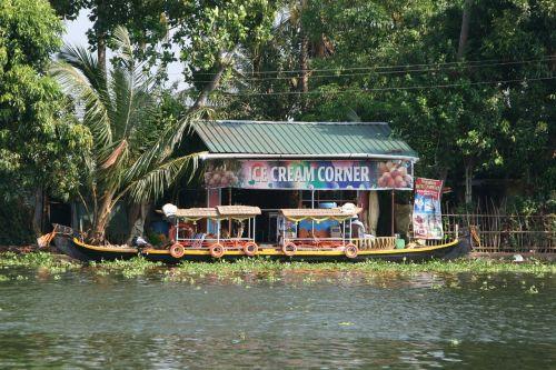 india kerala boat