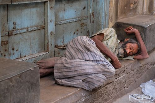 india misery poverty