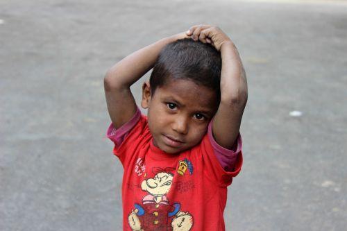 india child curiosity