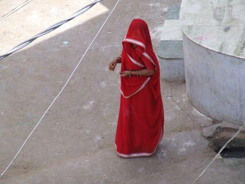 indian woman sari