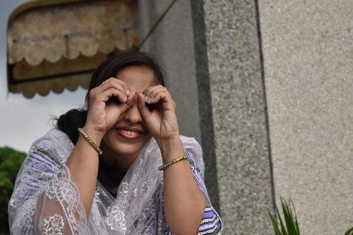 indian model detective hand-binocular