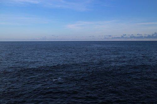 indian ocean  the indian ocean  sea