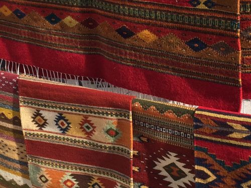 indian rugs weaving colorful