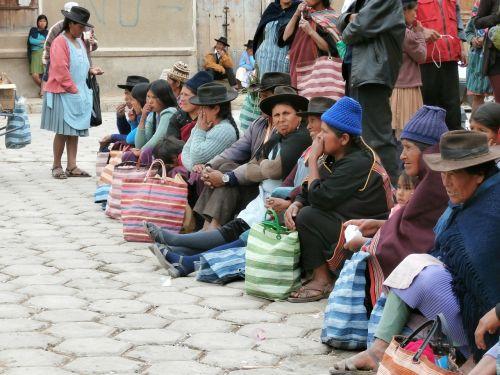 indian women indio market bolivia