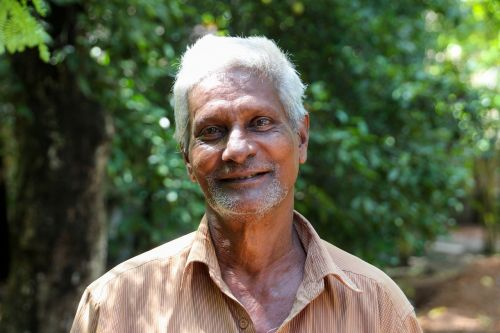 indians old man white hair