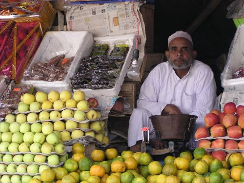 indians seller fruit