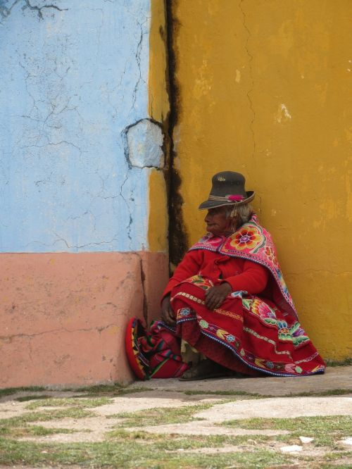 indigenous peru woman