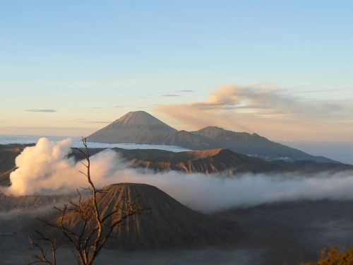 indonesia volcano bromo
