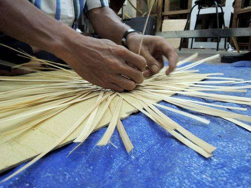 indonesia bamboo craftsman