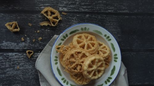 indonesian food food snacks