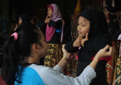 indonesian traditional dance tarian indonesia budaya indonesia