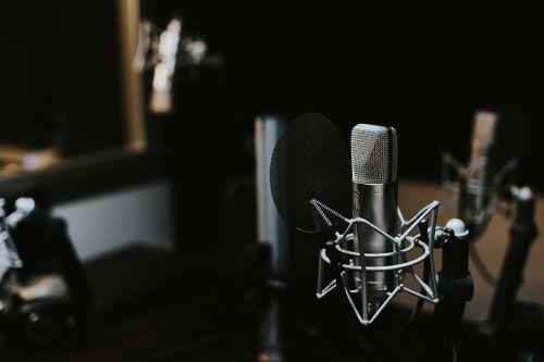 indoors macro mic