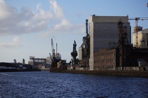 industry  port  crane