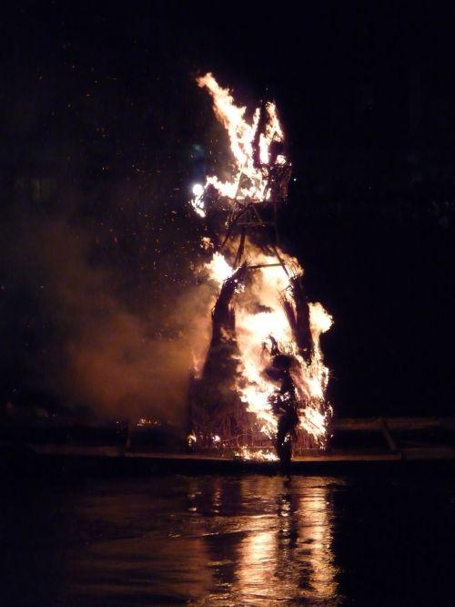inferno bonfire burn