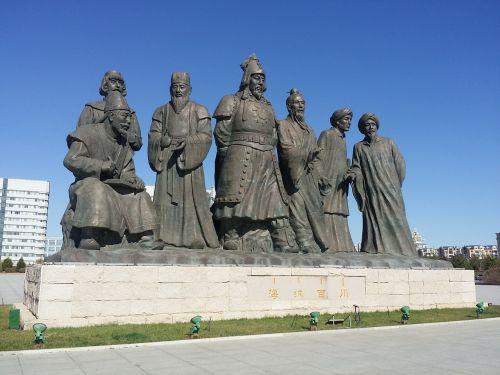 inner mongolia jingkiseukan statue