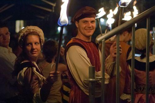 innsbruck,austria,Senamiestis,viduramžių pasirodymas,kostiumai,žibintuvėliai