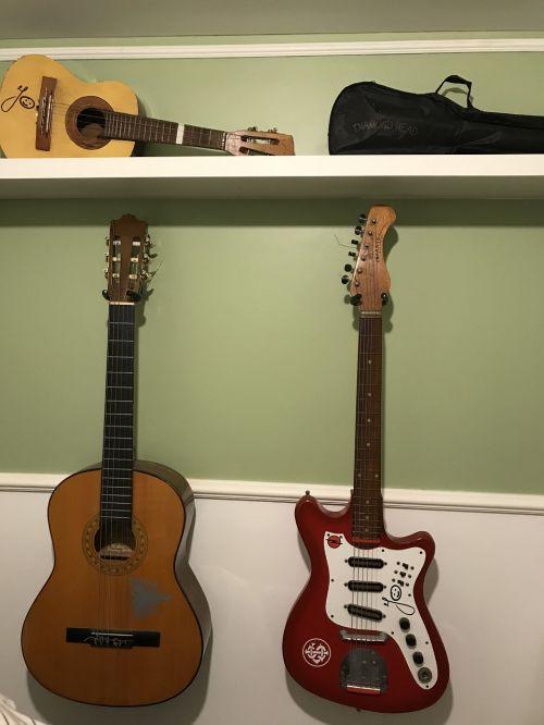 instruments guitar ukulele
