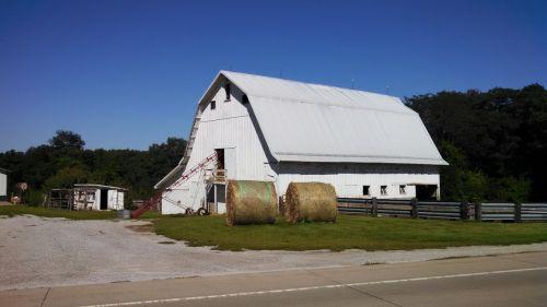 iowa barn white