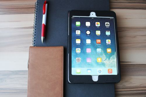ipad tablet touch screen