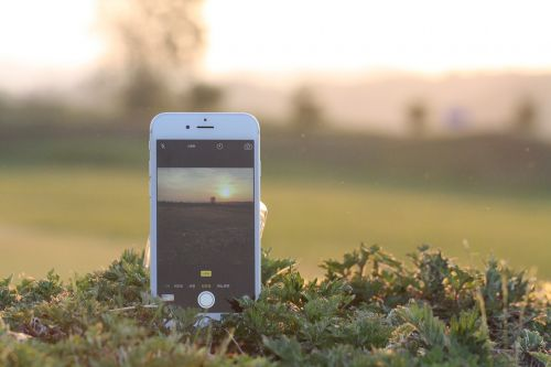 iphone,cellphone,cellular phone,phone,camera,iphone 6s,the iphone 6,photo,photography,evening glow,warm