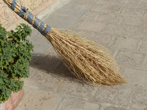 iran broom tiles