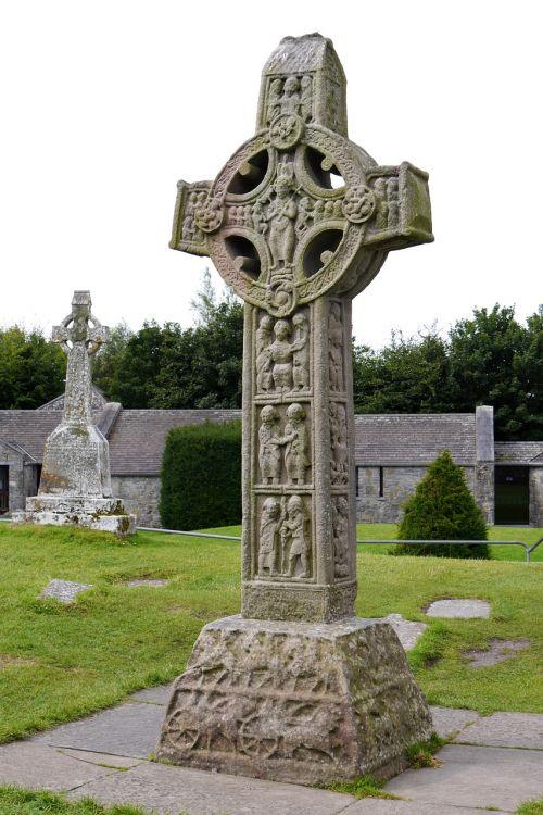 ireland clonmacnoise crosses
