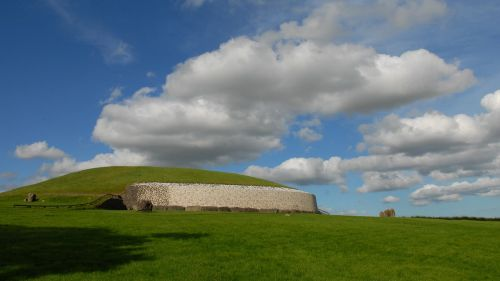 ireland newgrange burial mound