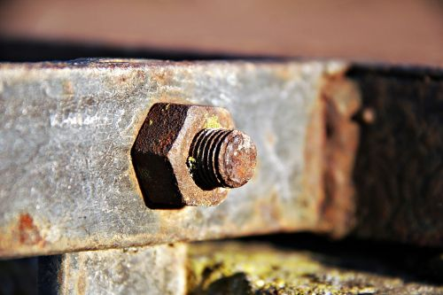iron rusty thread
