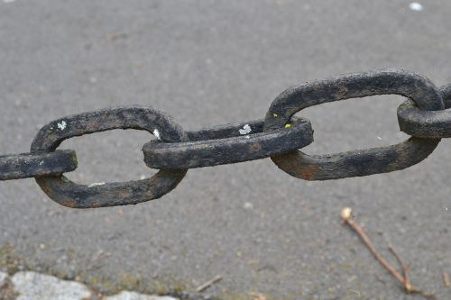 iron chain link