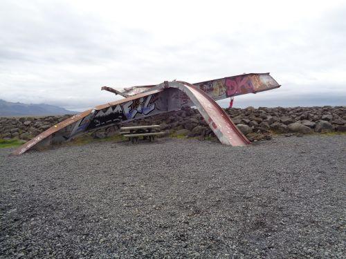 iron bridge iceland volcano trails