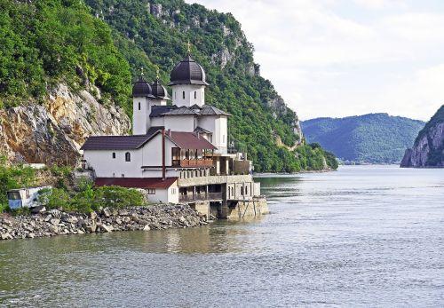 geležiniai vartai,karparten,danube tarpeklis,abatija,vienuolynas,butelio kakliukas,vienkryptis eismas,giliai,romanija,südkarparten,Serbija,Danube,upės kruizas,kruizas danube,Pietryčių Europa,moterys,ortodoksas