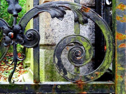 iron gate wrought iron metal gate