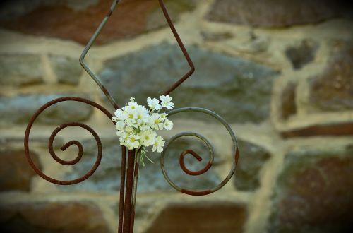 iron wall white floret rod