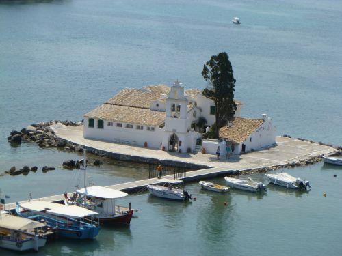island corfu boats