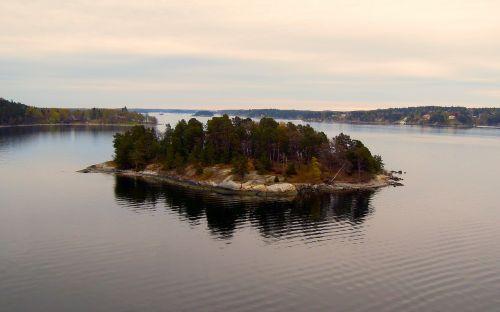 island sea calm