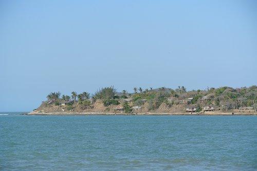 island  separate  mar