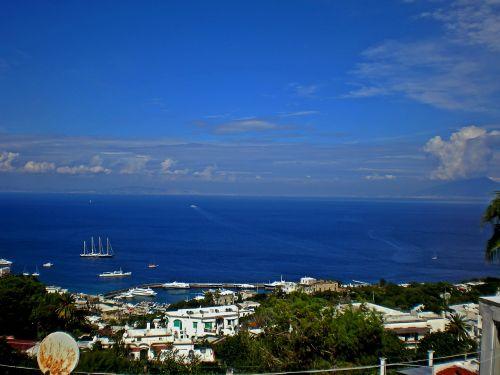 isle of capri italy sea