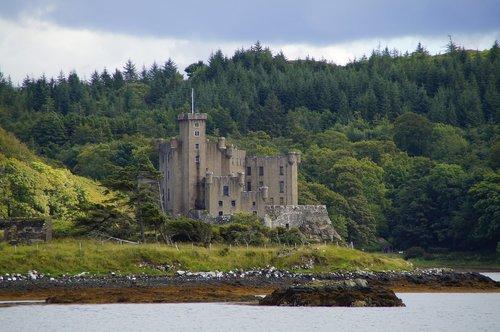 isle of skye  skye  castle