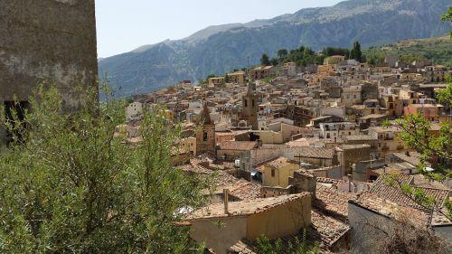 isnello,sicilija,kaimas