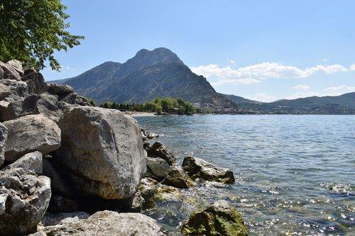 isparta turkey  is spinning  eğirdir lake