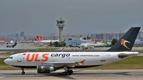 istanbul  airport  freighter