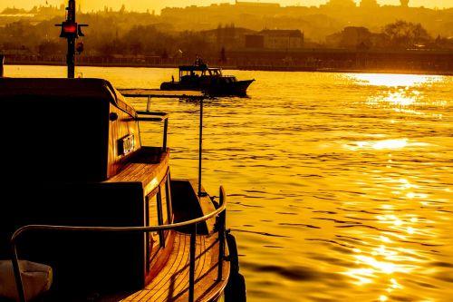 istanbul landscape estuary