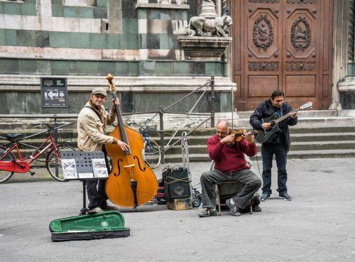 street musicians street music italy