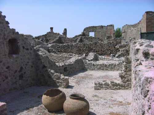 italy pompeii the ruins of the