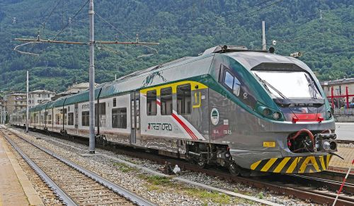 italy rail- cars regional traffic