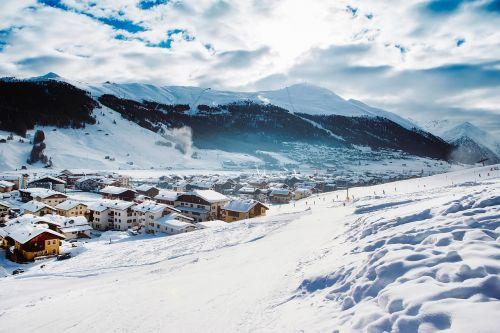 italy,kaimas,Miestas,dolomitai,kalnai,žiema,sniegas,kraštovaizdis,vaizdingas,slidinėjimo kurortas,slidinėjimas,šlaitai,gamta,lauke,Šalis,kaimas,kaimas,hdr,namai,namai,miškas,medžiai,miškai