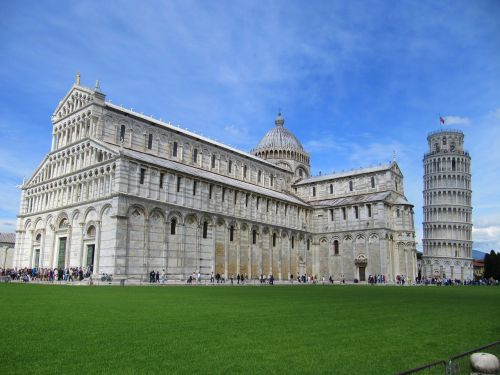 italy pisa tower wrong