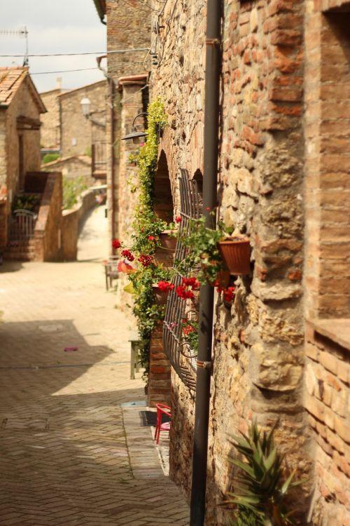 italy via tuscany