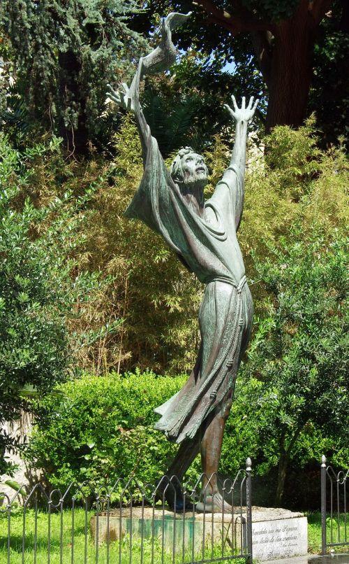 italy sorrento statue