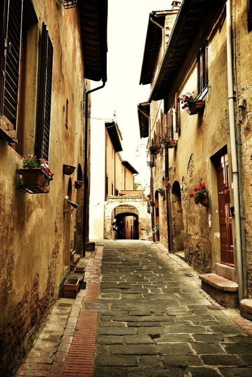 italy street cobblestone